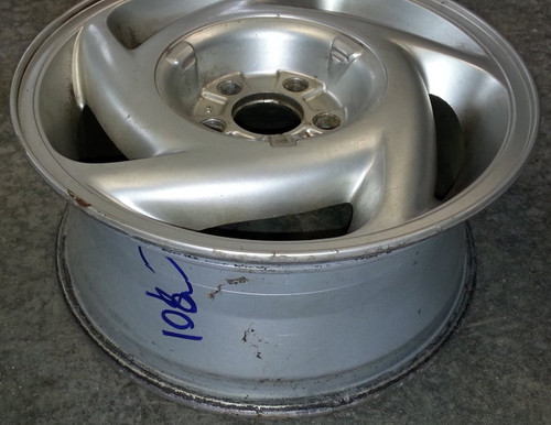 Wheel - 1989 - 1992 - Grade C - SKU 102185 - WWW.TBSCSHOP.COM