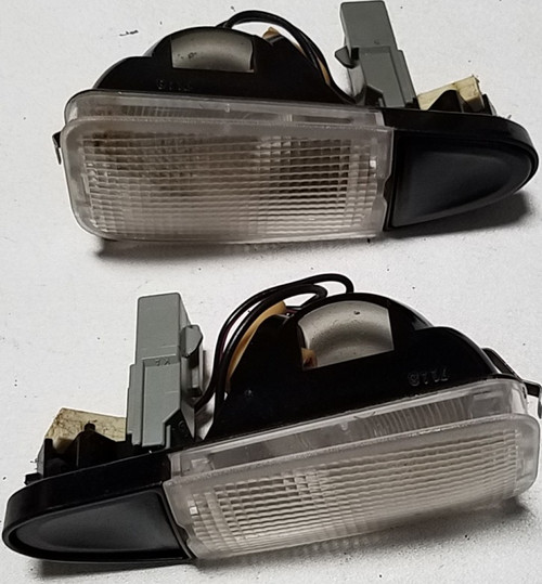 1993-1998 Lincoln Mark VIII Rear Interior Quarter Panel Light Set