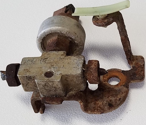 1993-1998 Lincoln Mark VIII ABS Brake Pressure Switch Assembly RH Front