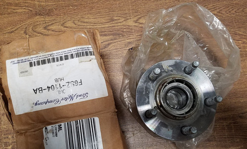 Front Spindle ABS Hub New OEM 1993-1997 Thunderbird Cougar Mark VIII