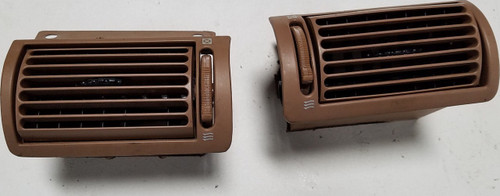 1993 1994 1995 1996 Lincoln Mark VIII Dash Left/Right Air Vents Tan