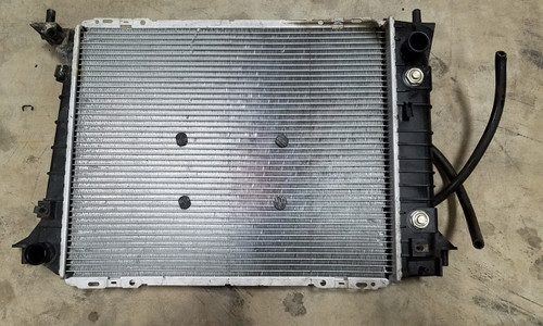 Radiator with External Transmission Cooler 4.6L 2V 1994-1997 Thunderbird Cougar