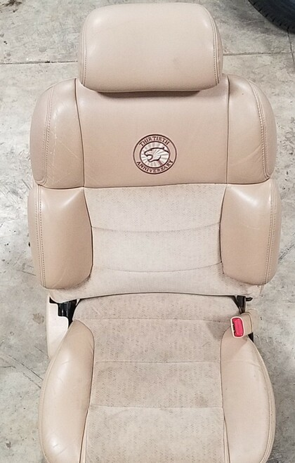 30th Anniversary Cougar Front Seat RH Powered 1997 Cougar Grade B