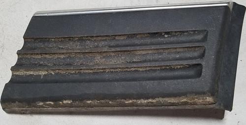 1990-1992 LINCOLN MARK VII 7 RH Passenger Rear FENDER TRIM MOLDING Black