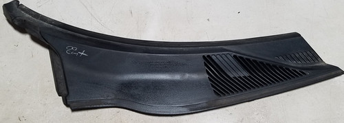 1998-2002 LINCOLN Continental Wiper Cowl Panel RH F8OB-54018A14-AFW