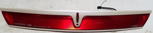 1997 1998 LINCOLN MARK VIII Center Trunk Lid Ivory Light Reflector Neon W/ Ballast Grade C