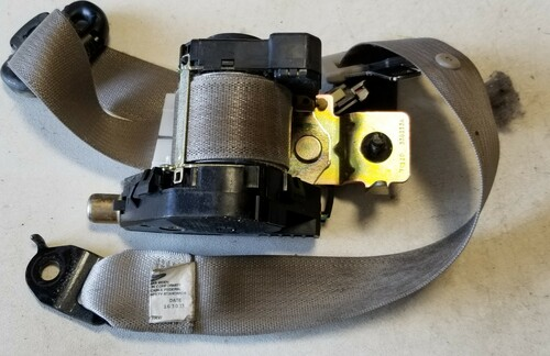 2003 - 2006 LINCOLN LS Seat Belt Front Bucket LH Retractor Medium Light Stone