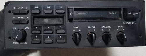 1986 Ford Bronco AM FM Radio Tape Player E6DF-14A459-CA