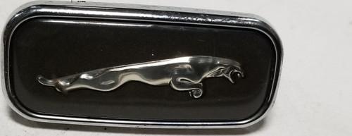 1998 1999 2000 2001 2002 2003 Jaguar XJ8 XJR VDP Fender Emblem Logo RH Passenger Side