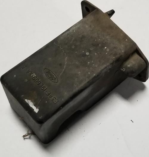 1984 85 86 87 88 89 90 91 1992 Lincoln Mark VII RELAY Fuse Holder E3AB-19E609-AA