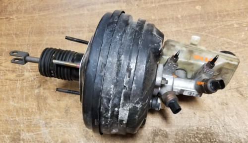 2000 2001 2002 Lincoln LS Brake Master Cylinder with Booster Ford OEM