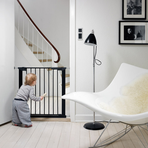 BabyDan Premier True Pressure Fit Safety Gate - Black (73.5 - 79.6cm; Max 119.3cm)