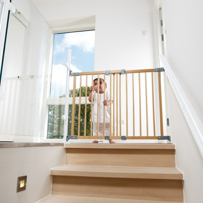 BabyDan Flexi Fit Wooden Stair Gate (69 - 106.5 cm)