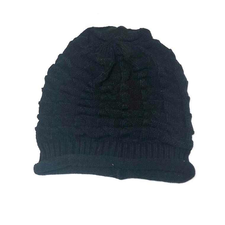 Black slouchy knit hat