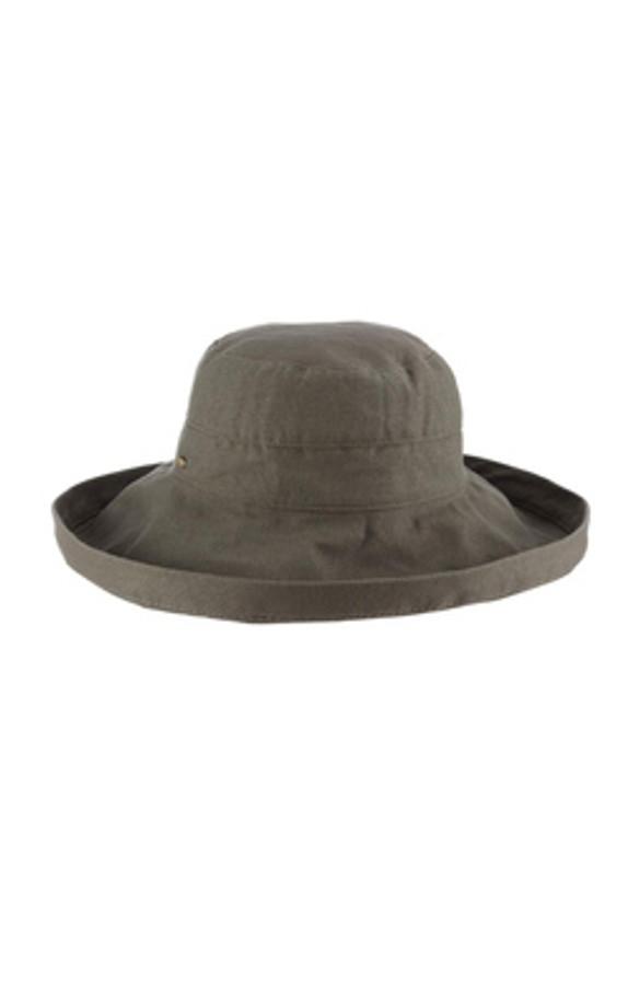 "giana 3"" brim bucket hat in olive"