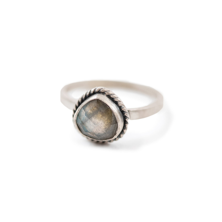 labradorite ring in silver with twisted band