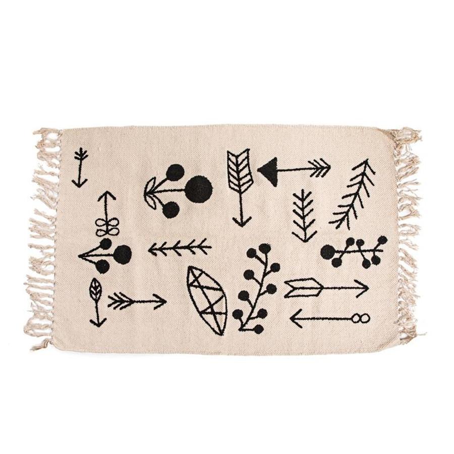 cotton rug with black arrows