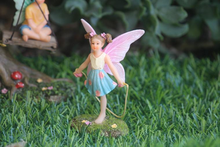 Fairy Piper Skipping
