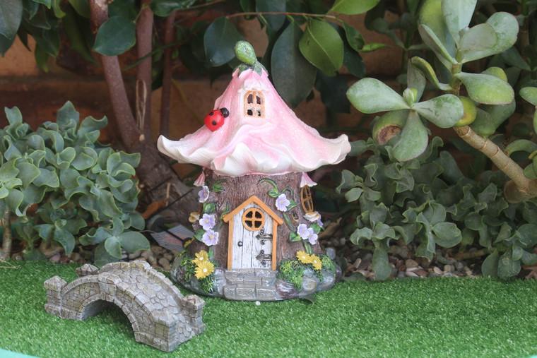 Ladybird Cottage Pink (Solar)