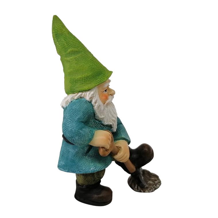 Garden Gnome - Digging