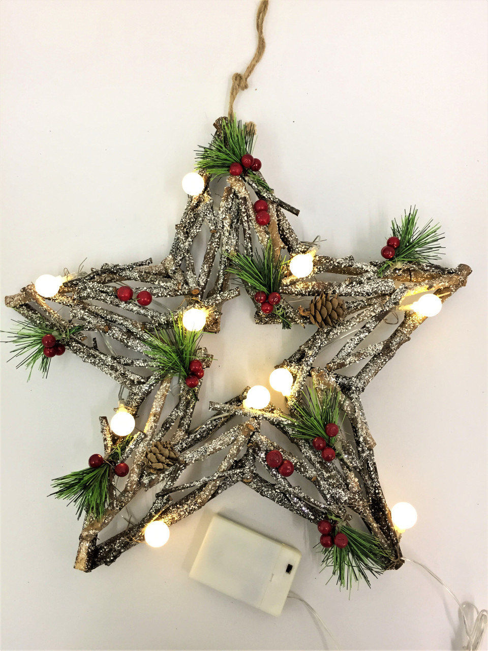 Beautiful Driftwood Star Christmas Wreath with Battery operated Lights  (AA) - 40cm