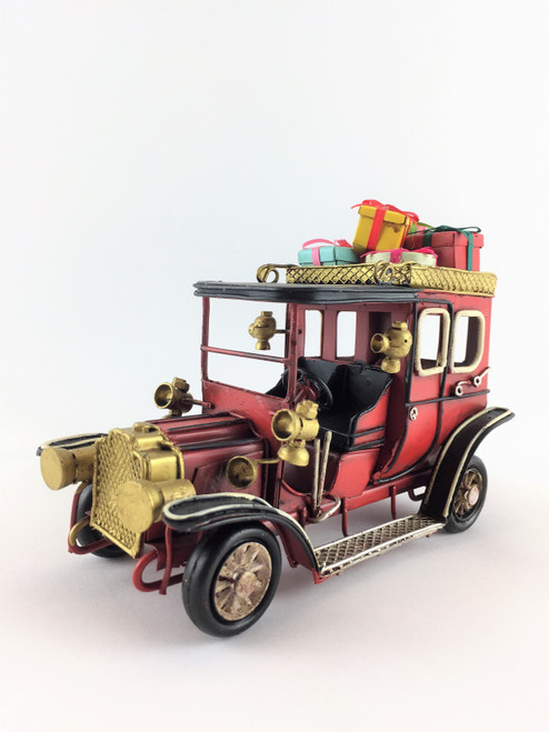 Beautifully hand Made Metal Rusty Old VINTAGE Christmas Car - 20cm (Medium Size)