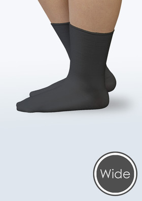 Seamless Diabetic Wide Crew Socks