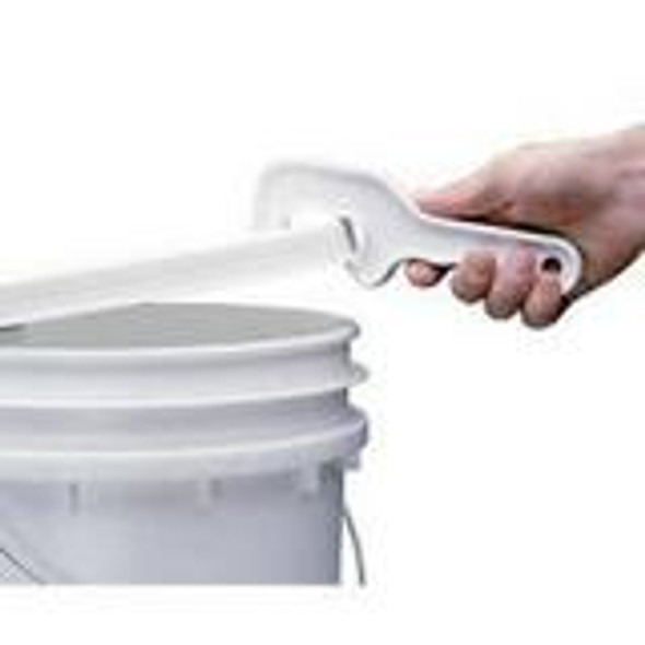Removes lids from plastic pails and buckets without straining.