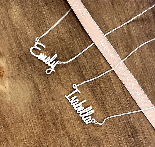 Personalized  Bella  Name Necklace