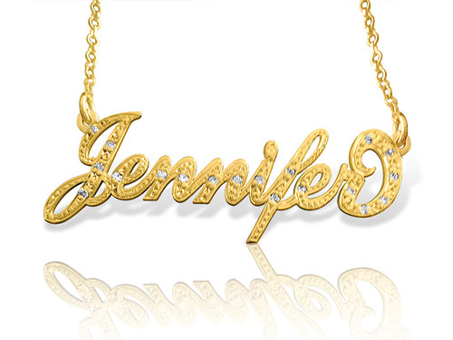 Carrie Style Name Necklace with Diamonds in gold