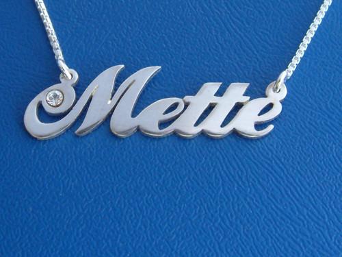 Mette Name Necklace with Swarovski Crystal