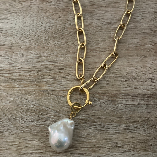 White Baroque Pearl Oval Paperclip Chain