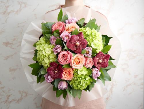 Lady Margaret Roses, Hermosa Roses, Hydrangea, Tulips, Vanda Orchids.