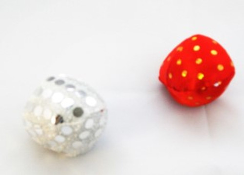 yest another soft play ball from the Elliots cat toy range. Colourful and with cute sparkle design these soft play balls will give hours of chasing fun for any cat. ideal for the cat that likes a quiet play
