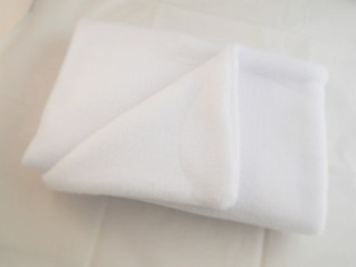 Here at Elliots we pride ourselves on our quality cat show whites. From single items to full kits we have it all and all our cat blankets are  double thickness and properly stitched not overlocked like cheaper versions out there.. Our blankets also wash well and do not pill like cheaper blankets available out there, Why not also check out our cat show white beds ?