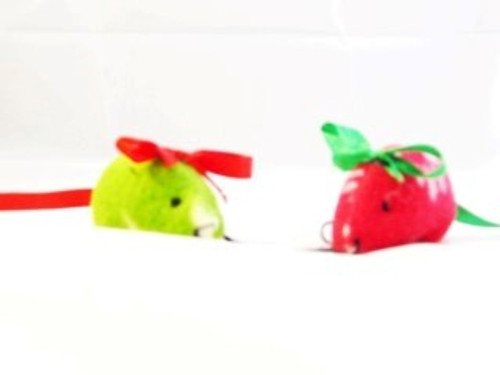 Fun colourful vibrant little mini mice. Great catnip fun for cats of all ages, Great for swatting, chasing and  general cat playtime fun