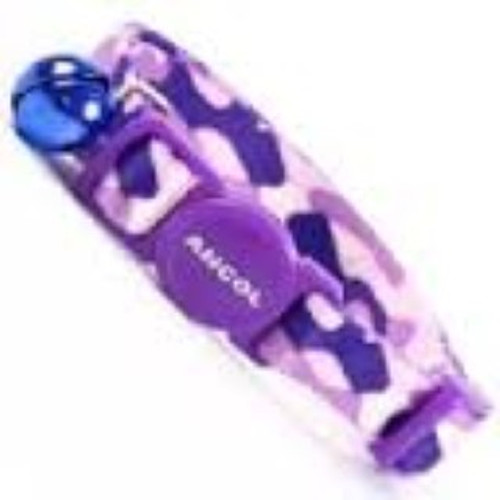 SAFETY BUCKLE TO ALLOW YOUR CAT TO ESCAPE IF IT GETS CAUGHT WHILST CLIMBING AND EXPLORING In smart purple camo for the posh feline about town  BELL TO HELP PROTECT WILDLIFE