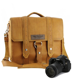 "10"" Small Safari Napa Camera Bag in Tan Grizzly Leather"