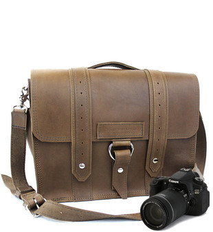 "14"" Medium Newport voyager Camera Bag in Brown Oil Tanned Leather"