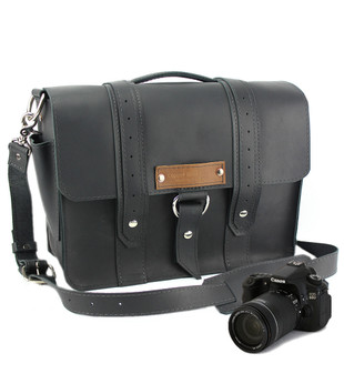 "14"" Medium Newport voyager Camera Bag in Black Excel Leather"