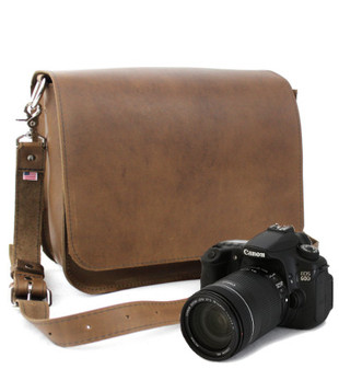 "15"" Large Mission Sonoma Camera Bag in Brown Oil Tanned Leather"
