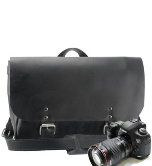 "14"" Medium Lewis & Clark Camera Bag in Black Excel Leather"