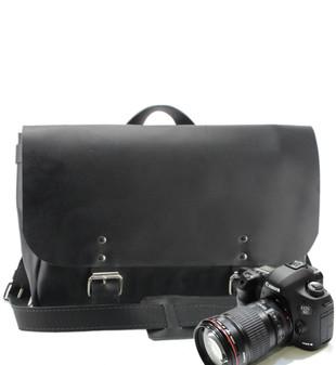 """14"""" Medium Lewis & Clark Camera Bag in Black Excel Leather"""