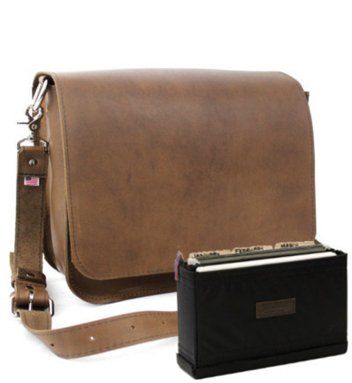 """Large 15""""  Rockport Mission Briefcase in Brown Oil Tanned Leather"""