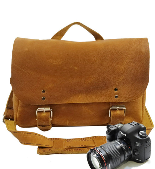 """14"""" Medium Lewis & Clark Camera Bag in Tan Grizzly Leather"""