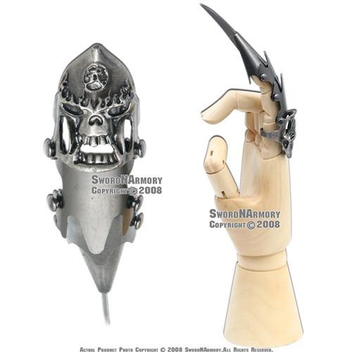 Fantasy Iron Reaver Skull Claw Finger Blade
