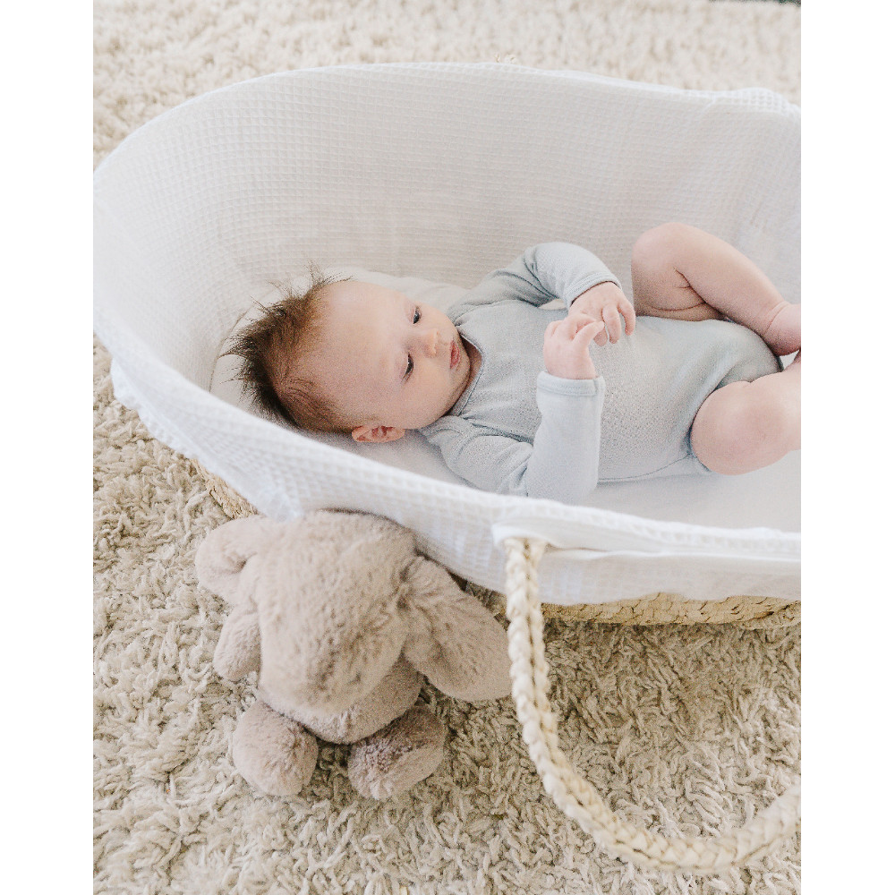 The Sleep Store Moses Basket with Waffle Cover