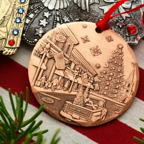 2021 Annual Ornament- An American Christmas Copper Wendell August