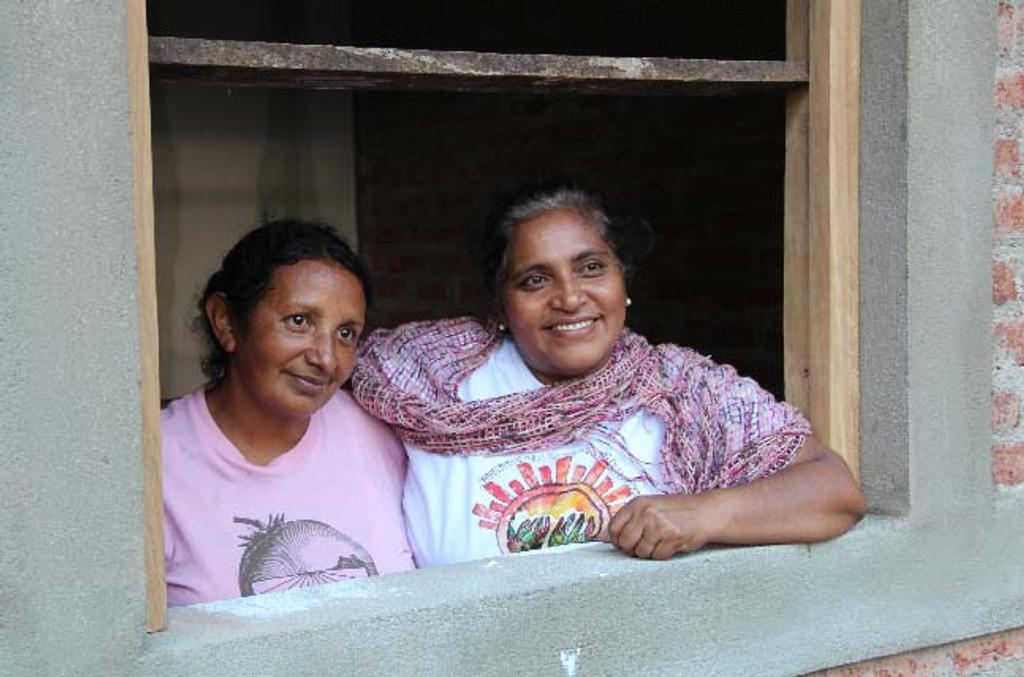 Dona Julita and Juana Villareyna in the village of El Colorado