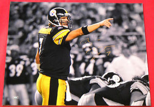 BEN ROETHLISBERGER AUTOGRAPHED PITTSBURGH STEELERS 16X20 PHOTO MM B POINTING